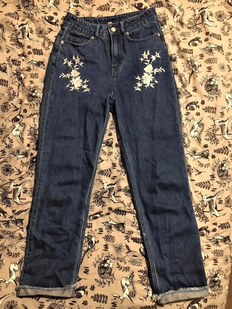 Size 6-8 H&M Women's Embroidered Mom Jeans