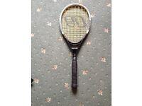 E Tennis racquet very good condition with racquet case