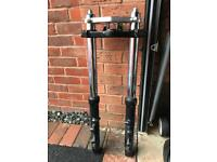 Kawasaki ZX6R 1998 G series forks and yokes great condition