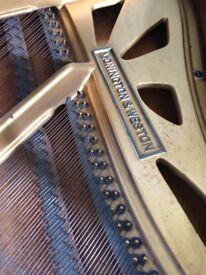 Fantastic baby Grande piano for sale. Excellent condition