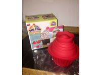 Brand New in Box - Big Top Cupcake (giant cupcake) - silicone cake mould bakeware