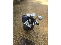 Set of RH Golf Clubs with Bag