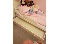 Childrens toddler bed