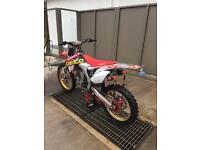 Honda CRF 450 nearly new condition.