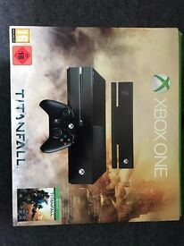 Xbox One 500GB w/Kinect, Controller, Games, Xbox Live & Box