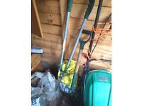 Garden fork and side trimmer