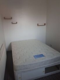 (THIS FLAT IS GONE NOW) 1 BED FLAT TO LET TO PROFESSIONAL