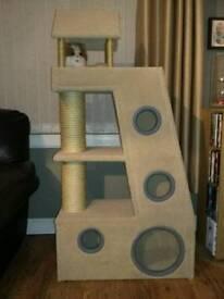 Cat scratcher play tower