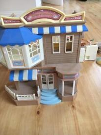 Sylvanian families House of Brambles department store and cafe
