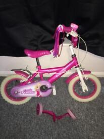 Girls Princess bike with brand new helmet