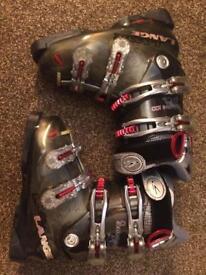 Lange exclusive 100 women's ski boots size 22.5