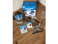 Silverline 1500w router, kitchen router bit set only used twice and 2 jigs