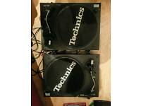 2 X Soundlab Quartz Direct Drive Turntables