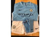 Manchester City home kit (XL)