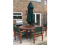 Canadian Oak Garden Table & Chairs with 6 seats and Parasol