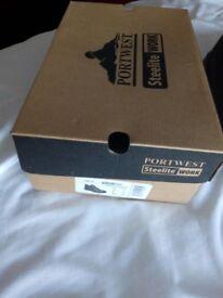 Ladies size 8 toecap boots