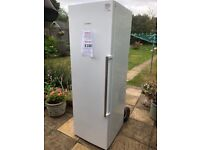 BOSCH Fridge 1850 x 600 x 600 KSV36AW31G White Excellent condition only 18 months old