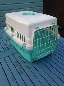 CAT PET CARRIER PLASTIC