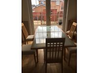 Calligaris expanding dining table with 6 dining chairs all in very good condition