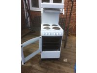 Free standing electric cooker and grill great condition