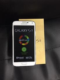 Samsung galaxy s5 (with warranty and receipt) IMMACULATE CONDITION UNLOCKED