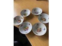 Very pretty Vintage Thun Czech porcelain bowls