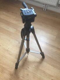 Hama tripod camera stand
