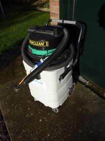 MORCLEAN Industrial Vacuum Cleaner - excellent condition