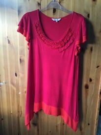 Ladies ROCHA JOHN ROCHA red t shirt size 12