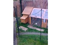 Hen house (brand new and boxed), 2.5m run and (2) food and (2) water feeders
