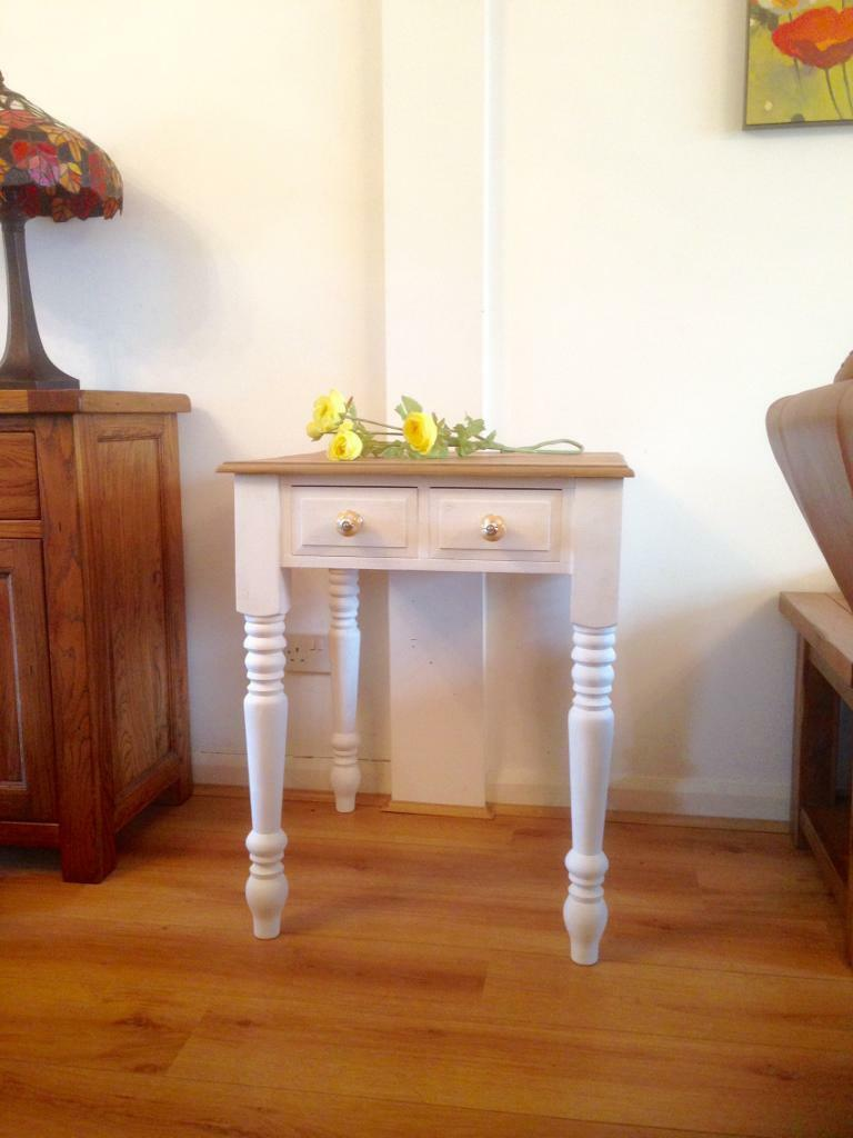 White & Oak Style Shabby Chic Table