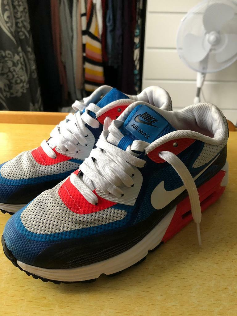 timeless design 52f90 a7940 Boys Nike Air Max Trainers Size UK 3