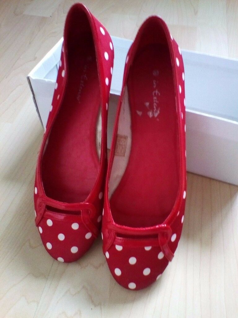 Ladies sz 4/37 Cute and lovely, red and white spotted shoes with small heel/flat. Hardly worn. Boxed