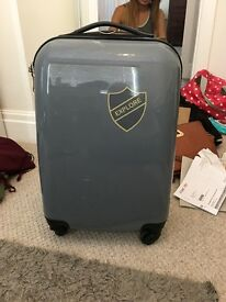 4 wheel cabin case