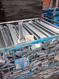 900mm Board / Pallet supports HD!( racking , storage , shelving )