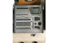 Roland VS-2400CD 2400 CD Digital Audio Workstation Recorder