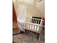 Rocking baby crib/cot