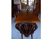 Oak Dining Table and Chairs in medium Oak