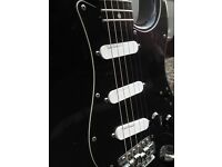 BLACK CUSTOM STRAT ELECTRIC GUITAR FENDER LACE SENSOR PICKUPS EXCELLENT PLAYER