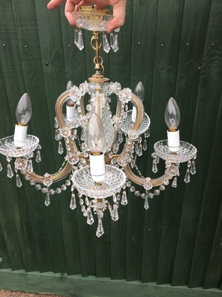 Gorgeous real glass & crystal 5 arm Chanelier. Excellent quality.