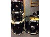 Pearl- forum series drums (Bass drum, 2 Hanging toms , floor tom