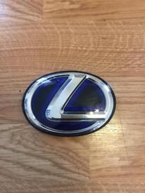 Lexus both emblem