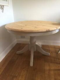 Beautiful solid pine extending table