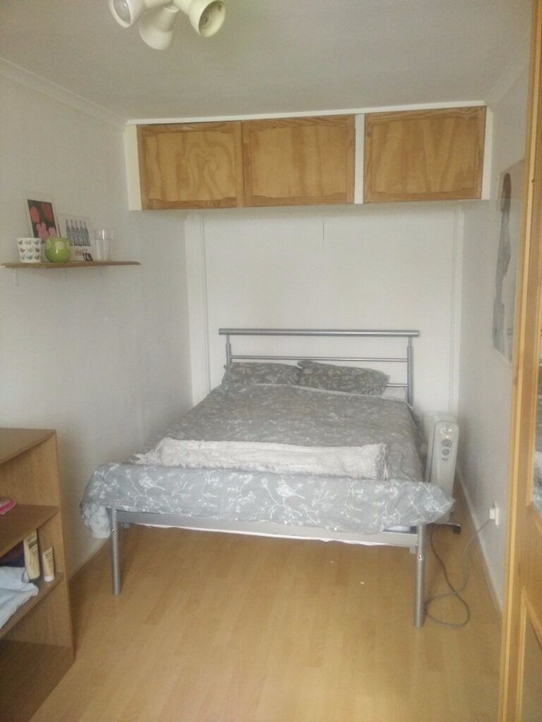 1 double bedroom in a cosy house in Holloway, short bus ride from Camden