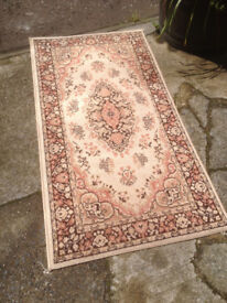 Pretty House of Fraser Kashmir Beige Classic Traditional 100% Pure Worsted Wool 160cm x 85cm