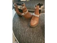 River Island Girls brown boots size 1