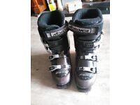 Ladies Size 7 Nordica ski boots