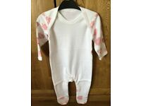 BN Girls White & Pink Hearts 100% Cotton Sleepsuit Baby Grow/Romper Suit 6-12m