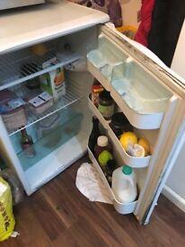 Hotpoint Ice diamond under counter fridge £40