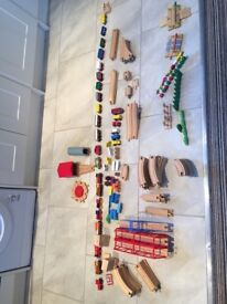 100+ piece wooden train tracks and set